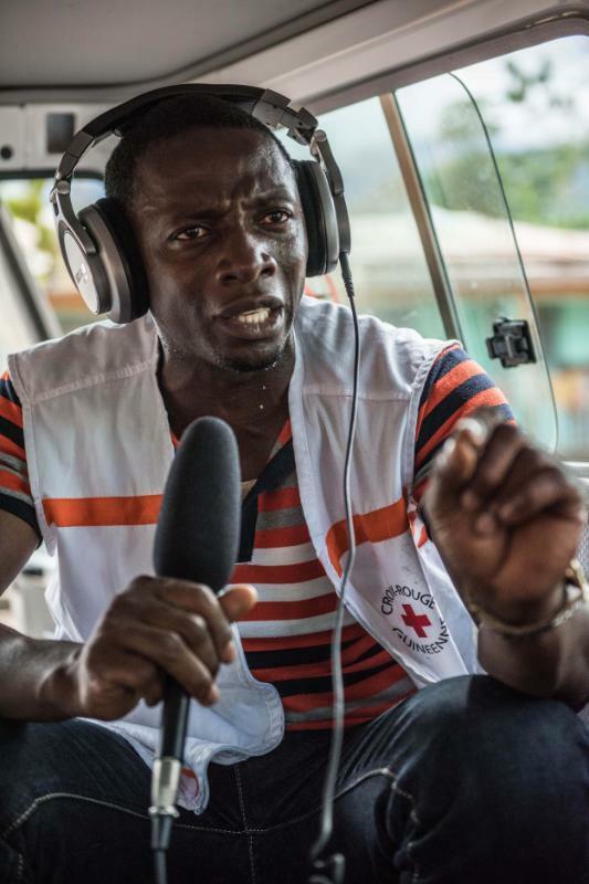 8.IFRC.p-GIN0422.Radio.Broadcaster.highres.jpg