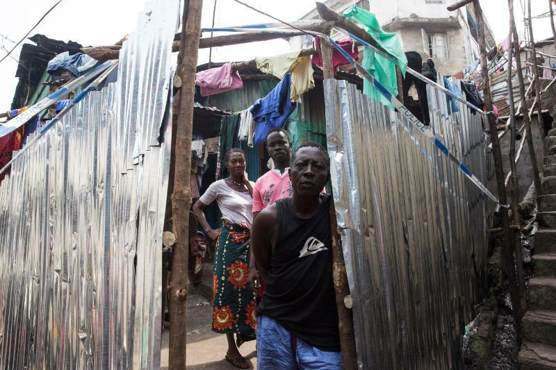 2.UNMEER.Quarantined.Family.Freetown.16059062190_ae27d783b0_o.jpg
